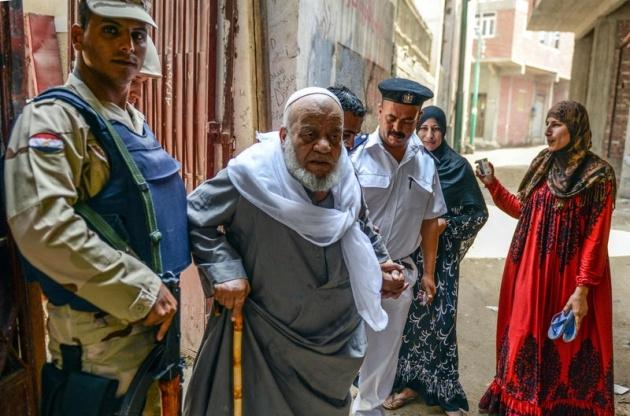 Mısır halkı seçimlere ilgisiz kaldı 18