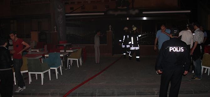 Kafede yangın paniğe yol açtı 1