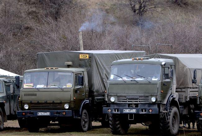 Rus askerler Kırım'a çadır kurdu! 1