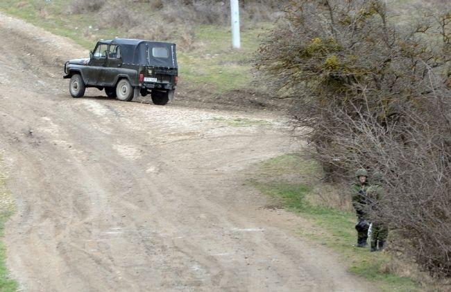 Rus askerler Kırım'a çadır kurdu! 10