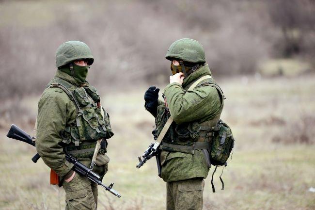 Rus askerler Kırım'a çadır kurdu! 12
