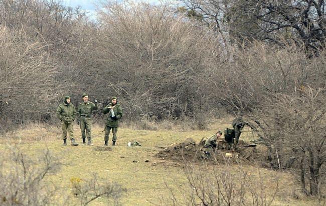 Rus askerler Kırım'a çadır kurdu! 14