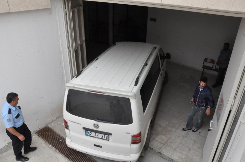 SÜ'de öğretim üyesi bıçaklanarak öldürüldü 12