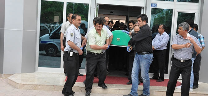 SÜ'de öğretim üyesi bıçaklanarak öldürüldü 5