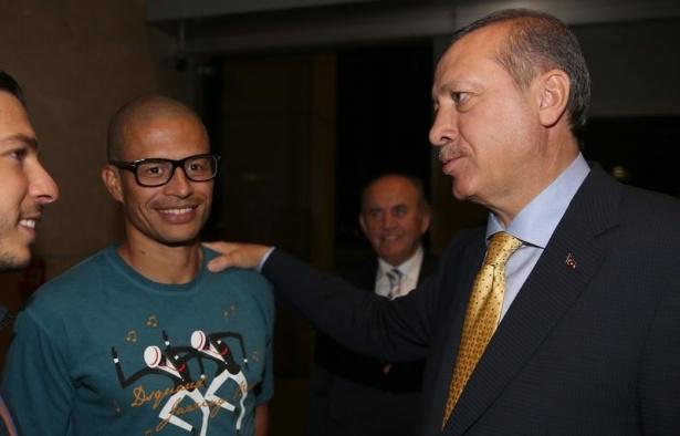Erdoğan'a havalimanında sürpriz karşılama 2