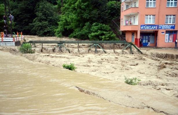 Zonguldak sular altında kaldı 1