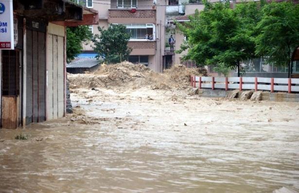Zonguldak sular altında kaldı 10