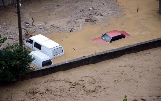 Zonguldak sular altında kaldı 12