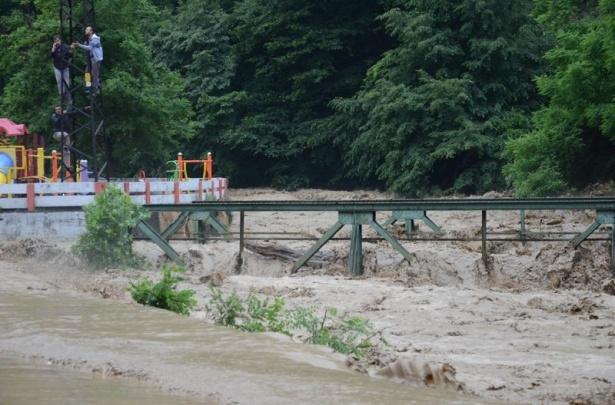 Zonguldak sular altında kaldı 3