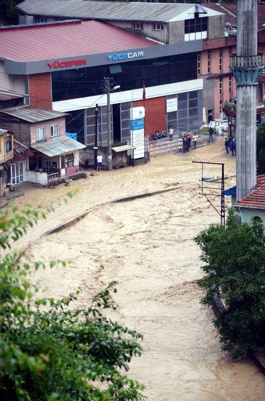 Zonguldak sular altında kaldı 5