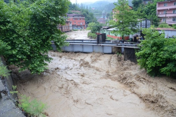 Zonguldak sular altında kaldı 6