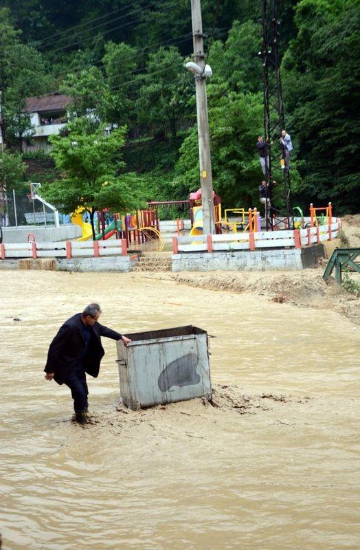Zonguldak sular altında kaldı 9