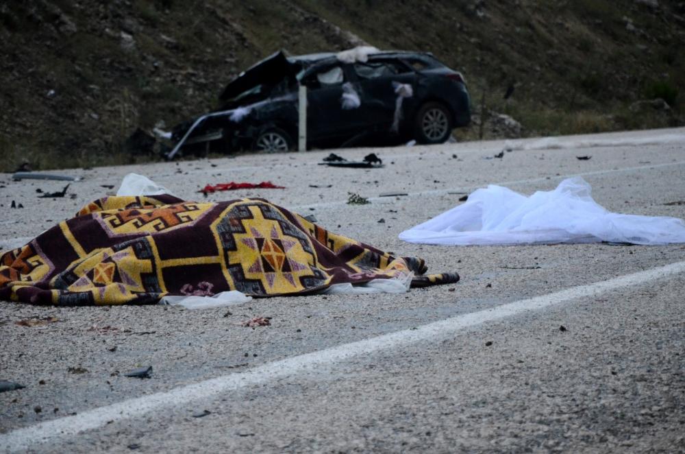 Kazada gelin öldü, damat yaralandı 5