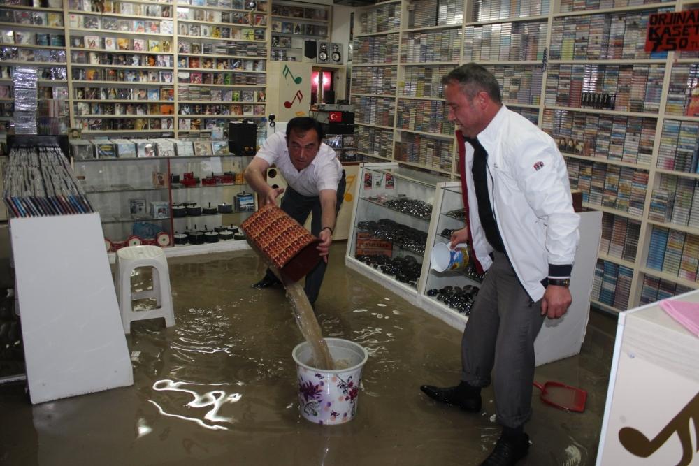 Beyşehir'de su baskınları yaşandı 1