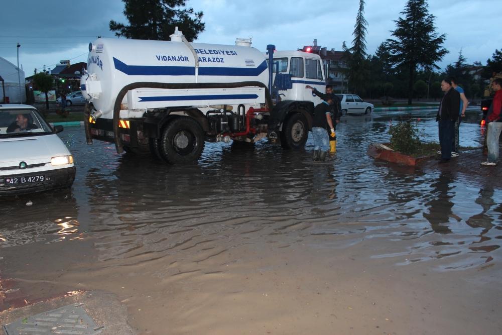 Beyşehir'de su baskınları yaşandı 11