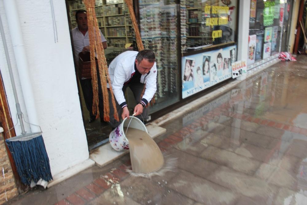 Beyşehir'de su baskınları yaşandı 15