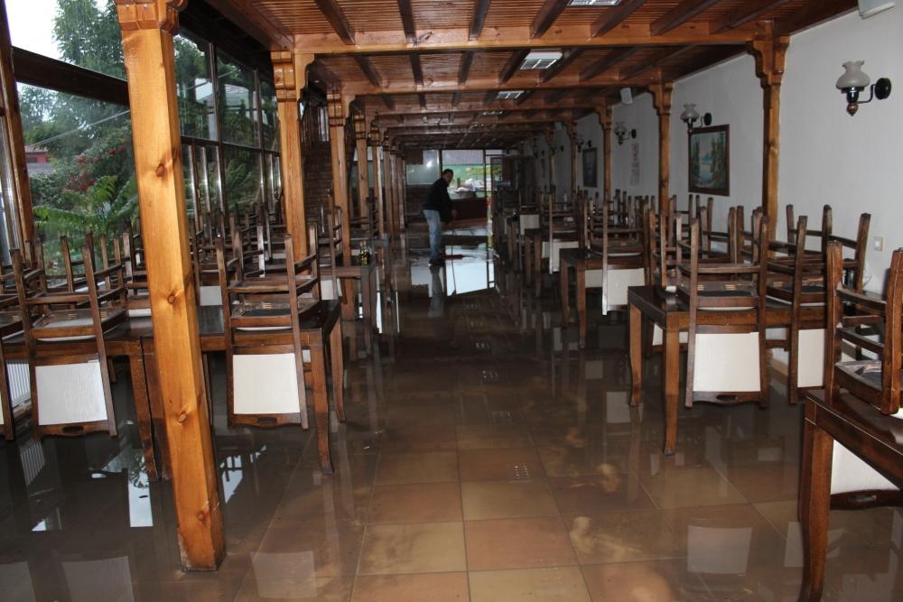 Beyşehir'de su baskınları yaşandı 2