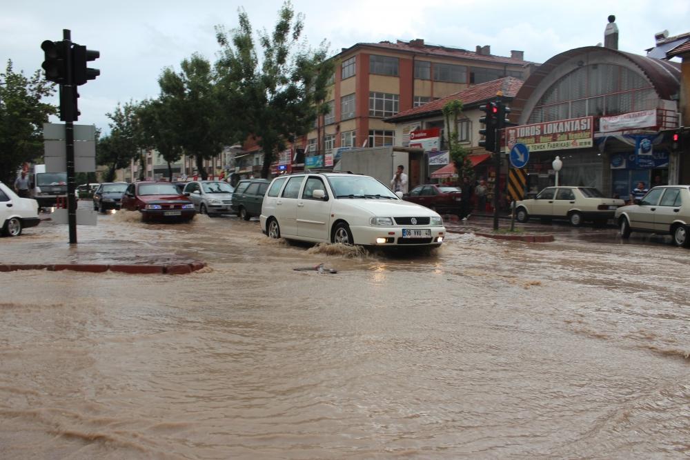 Beyşehir'de su baskınları yaşandı 4