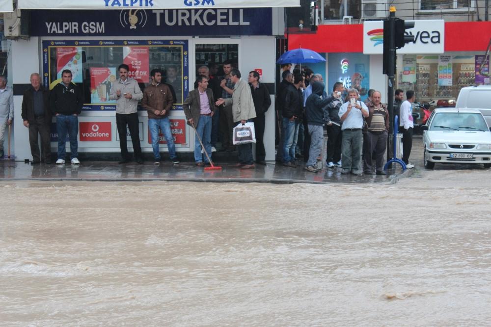 Beyşehir'de su baskınları yaşandı 5
