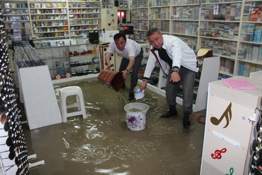 Beyşehir'de su baskınları yaşandı 6