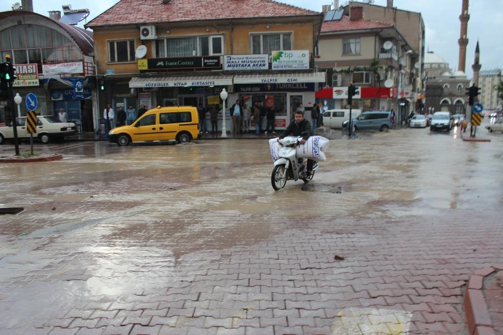 Beyşehir'de su baskınları yaşandı 7