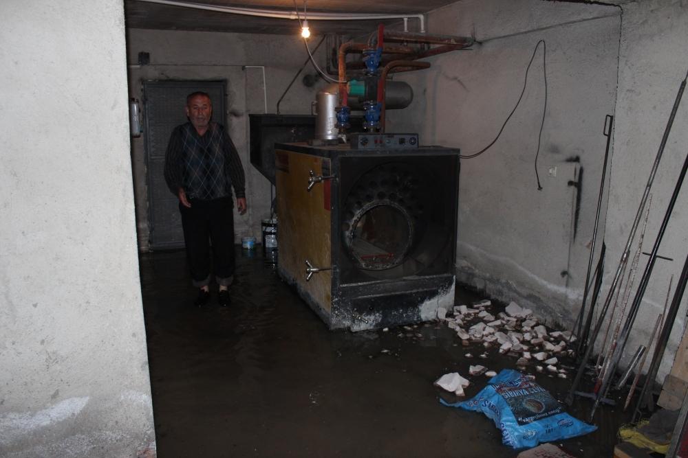 Beyşehir'de su baskınları yaşandı 8