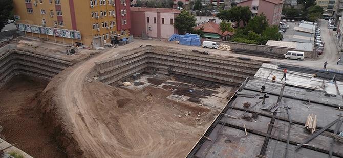 Konevi Meydanında inşaat sürüyor 1