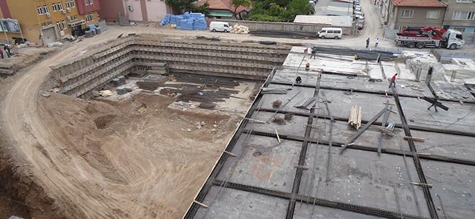 Konevi Meydanında inşaat sürüyor 11
