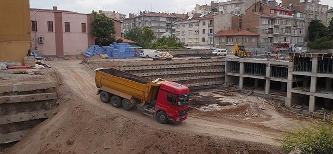 Konevi Meydanında inşaat sürüyor 19