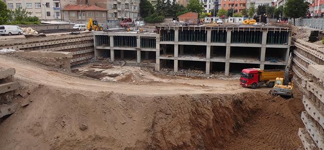 Konevi Meydanında inşaat sürüyor 22