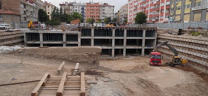 Konevi Meydanında inşaat sürüyor 24