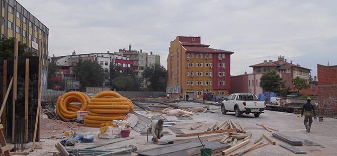 Konevi Meydanında inşaat sürüyor 3