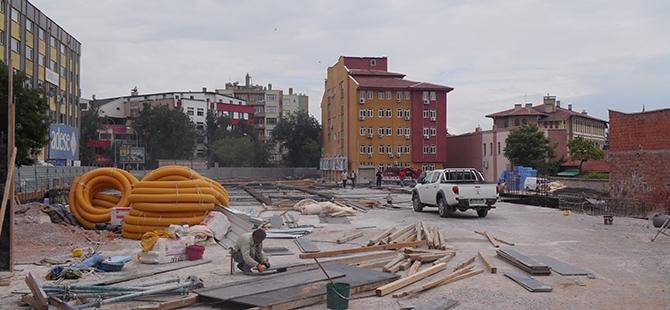 Konevi Meydanında inşaat sürüyor 5