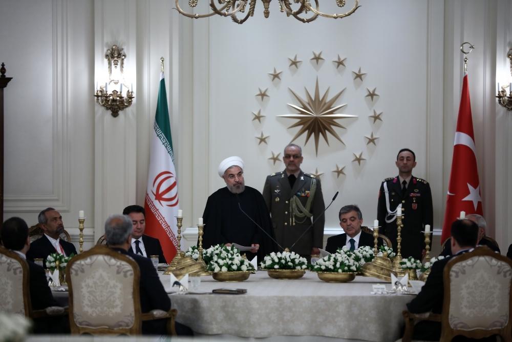 Gül'den Ruhani onuruna yemek 20