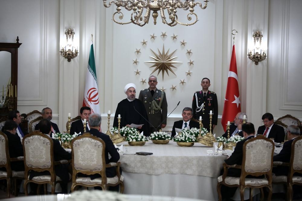 Gül'den Ruhani onuruna yemek 21
