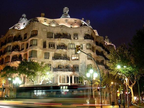 Dünyanın en tuhaf binaları 7
