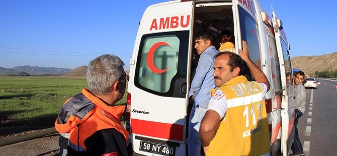 Sivas'ta trafik kazası: 16 yaralı, 1 ölü 2