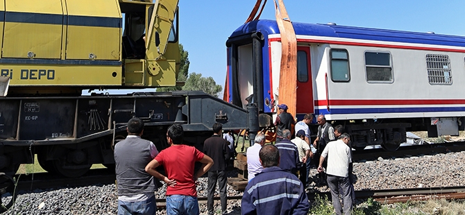 Tren İle Tır Çarpıştı: 1 Ölü, 2 Yaralı 7