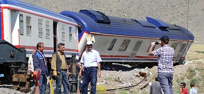 Tren İle Tır Çarpıştı: 1 Ölü, 2 Yaralı 9