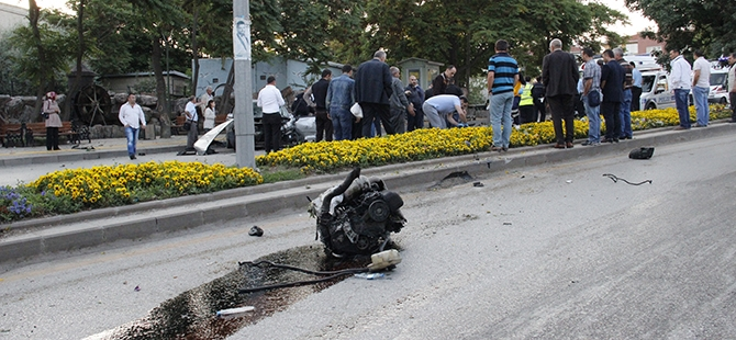 Ankara'da feci kaza: 3 ölü, 2 yaralı 10