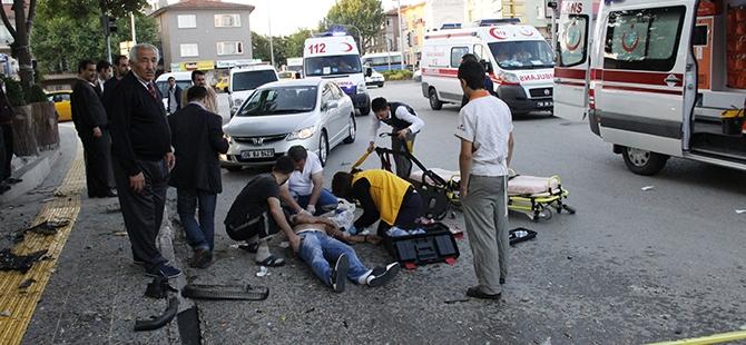Ankara'da feci kaza: 3 ölü, 2 yaralı 12