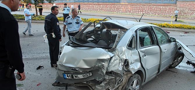 Ankara'da feci kaza: 3 ölü, 2 yaralı 3