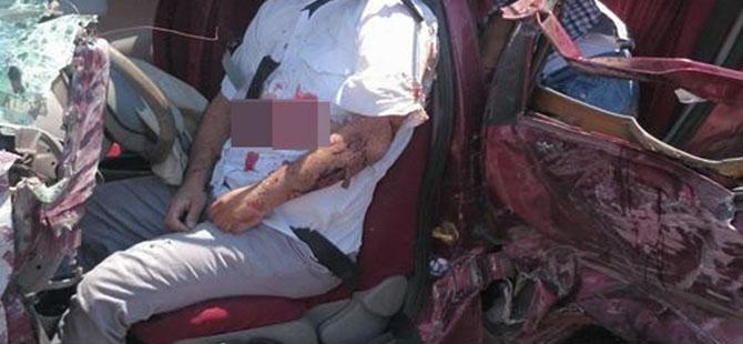 Otomobille minibüs çarpıştı: 4 ölü, 3 yaralı 9
