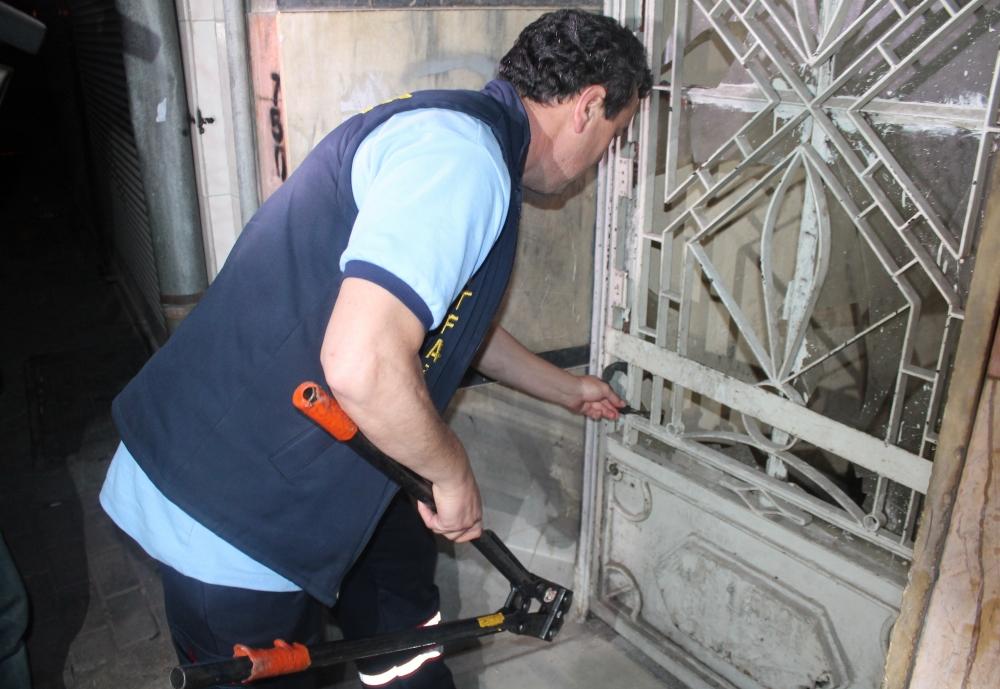 Bina bisiklet kilidiyle üstlerine kilitlendi 1