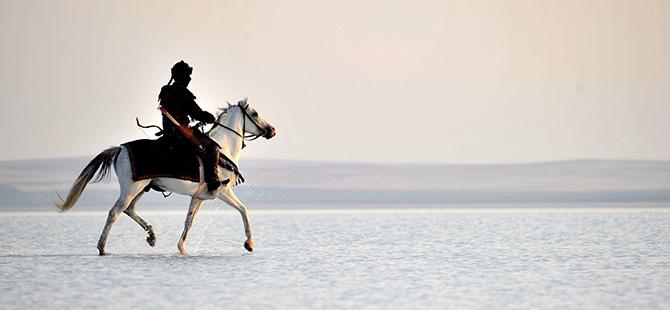 """""""Diriliş""""in fragmanı Tuz Gölü'nde çekildi 6"""