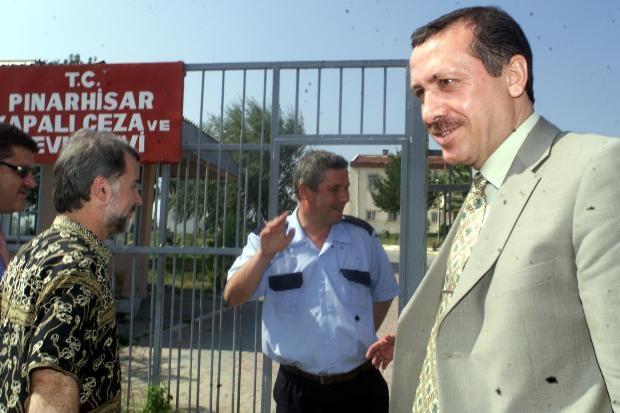 Recep Tayyip Erdoğan - Yeşil sahalardan Köşk adaylığına 8