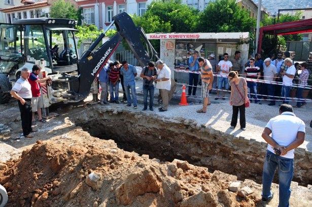 Kanalizasyon kazısında inanılmaz keşif 5