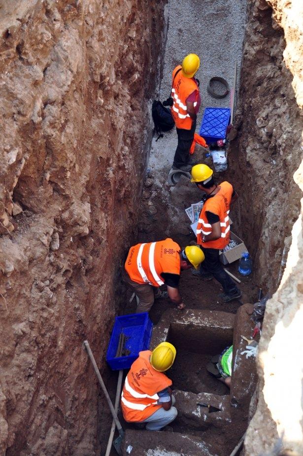 Kanalizasyon kazısında inanılmaz keşif 6
