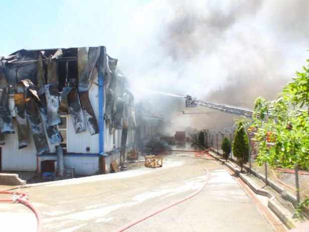 Hadımköy'de büyük yangın 9