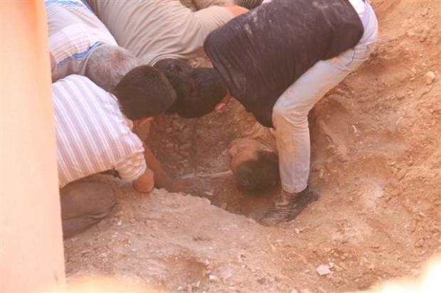 Evin bahçesinde diri diri gömüldü 11